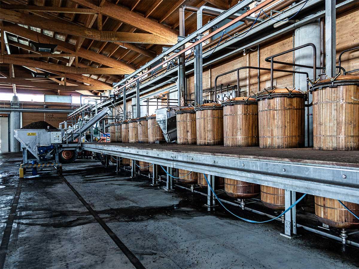 Nonino, la distilleria che produce la migliore grappa del mondo