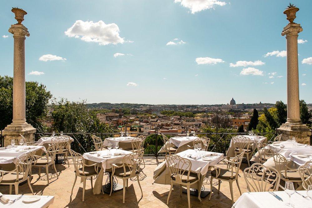 Estate sotto il cielo di Roma: riaperture di terrazze, dehors e rooftop