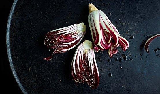 Ricetta semplice e veloce: un dolce al radicchio rosso di Treviso IGP