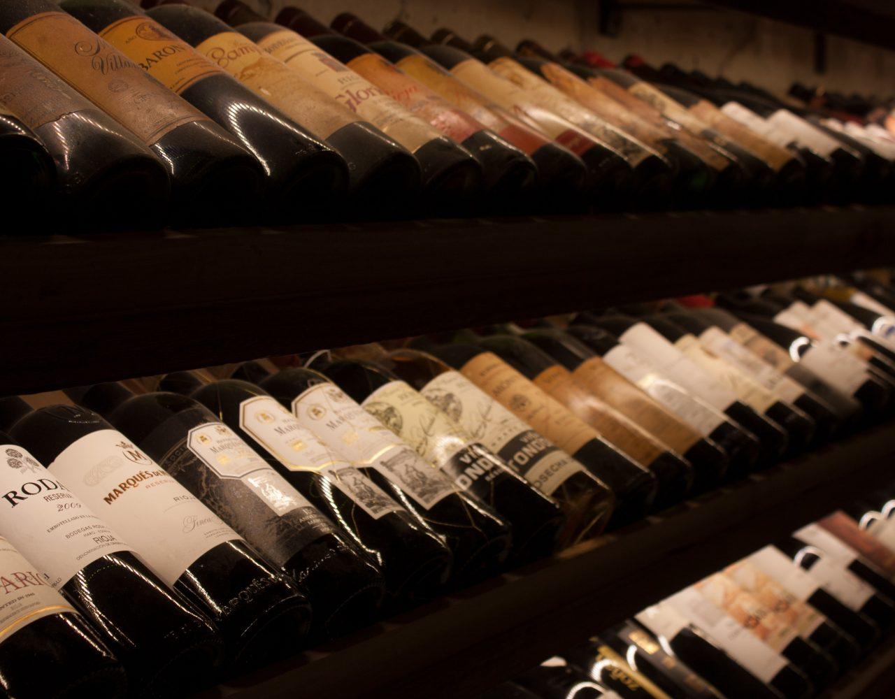 Rossi col pesce: dritte e migliori vini