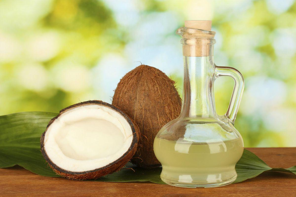 Olio di cocco in cucina, meglio dell'olio d'oliva?